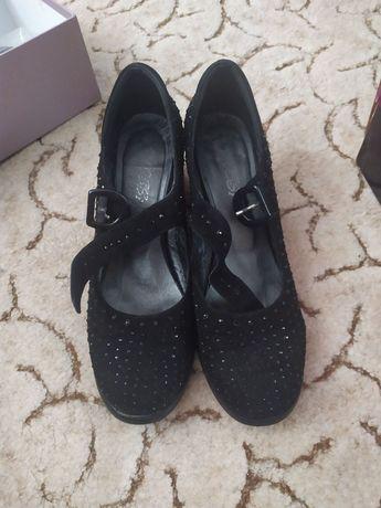 Туфли  замшевые.