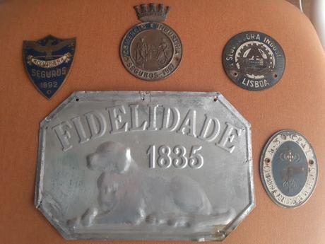 Chapa ou placa antiga de seguro - predio e automovel.