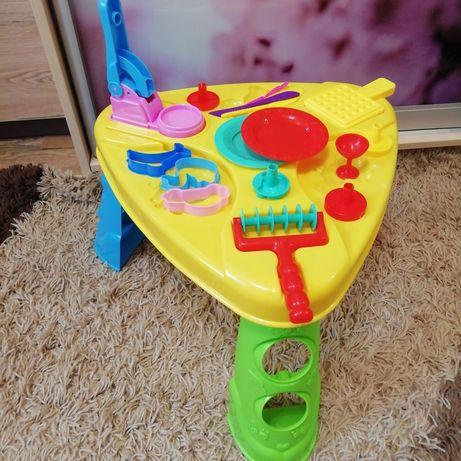 Стіл та  іграшки для ліпки+тісто для ліпки
