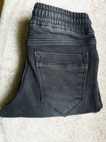 Spodnie chłopięce 8-9 lat rozm 134