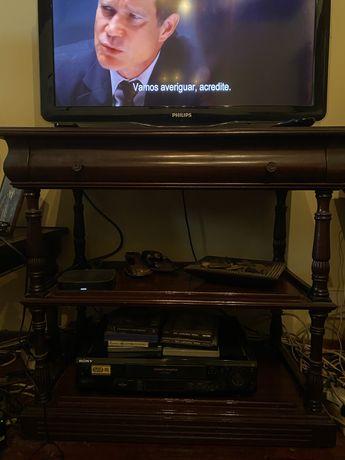 Móvel de televisão antigo