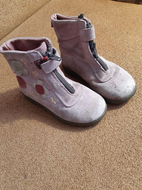 Фірмові черевички
