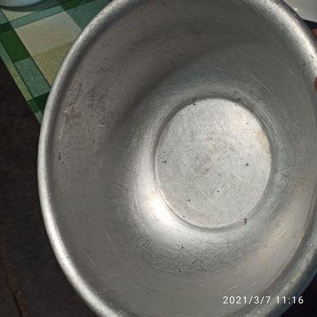 Продам миску алюминиевую д. 29см