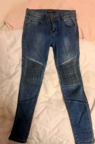 Spodnie jeansy Reserved przetarcia! 134