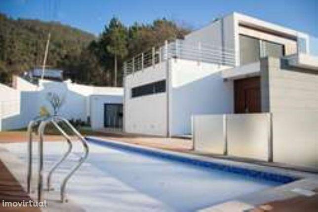 Visite Moradia T5 Viana do Castelo piscina luxuosa