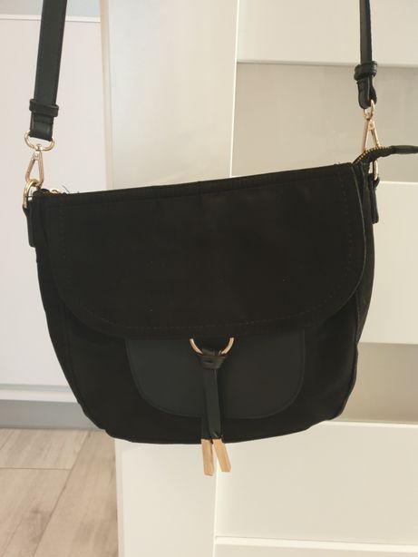 Czarna torebka jenny feiry