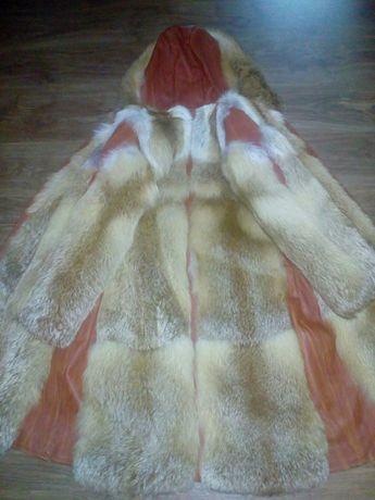 Шуба из лисы с кожаными вставками