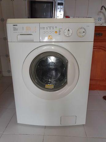 Máquina lavar roupa Zanussi