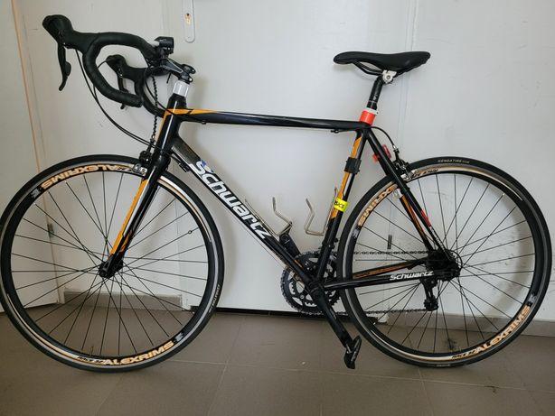 Rower szosowy Schwartz Bike RaceOne