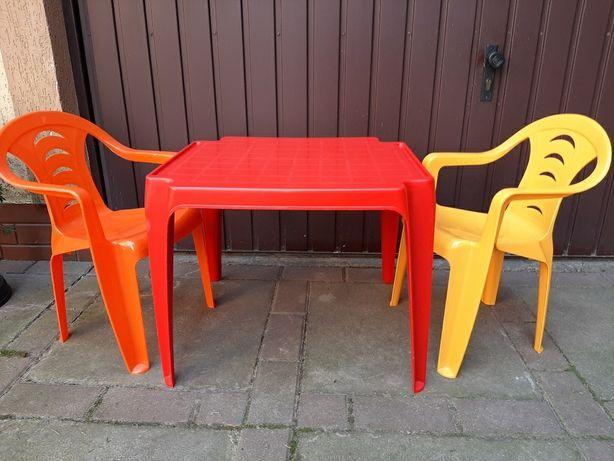 Stolik i 2 krzesełka plastikowe