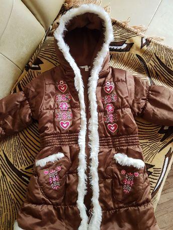 Пальто на девочку  1.5-2 год.