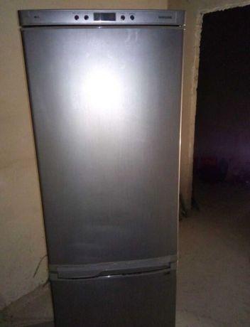 Продамо холодильник Samsung