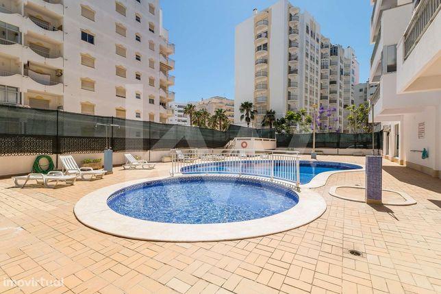 Apartamento T0 em Armação de Pêra - Algarve com Piscina e Campo de Tén