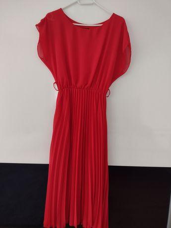Sukienka czerwona nowa
