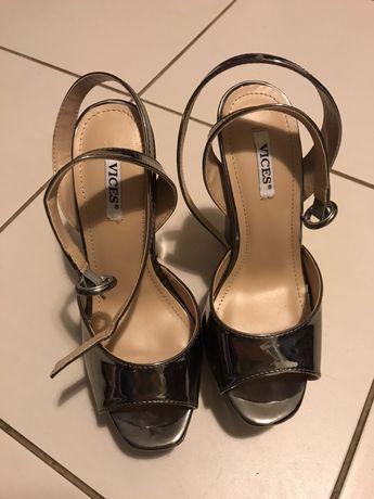 Nowe srebrne szare obcasy szpilki sandały sandałki koturny słupek 35