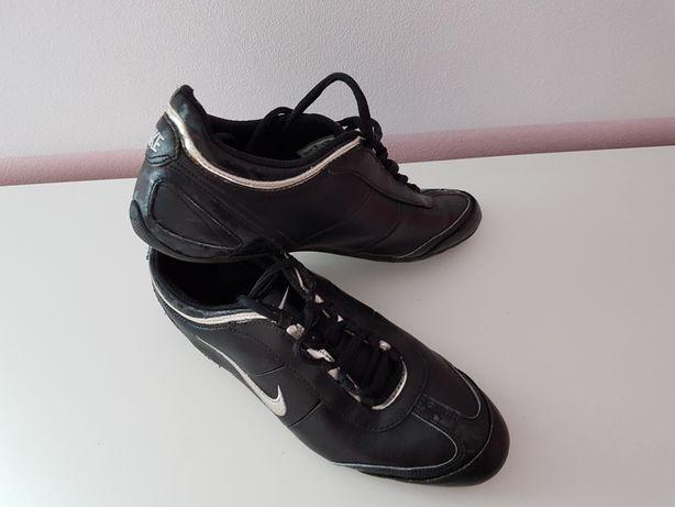 Buty damskie sportowe Nike, rozmiar 38,5