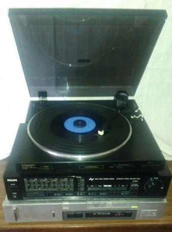 Radio e Ampelificador e Gira Discos