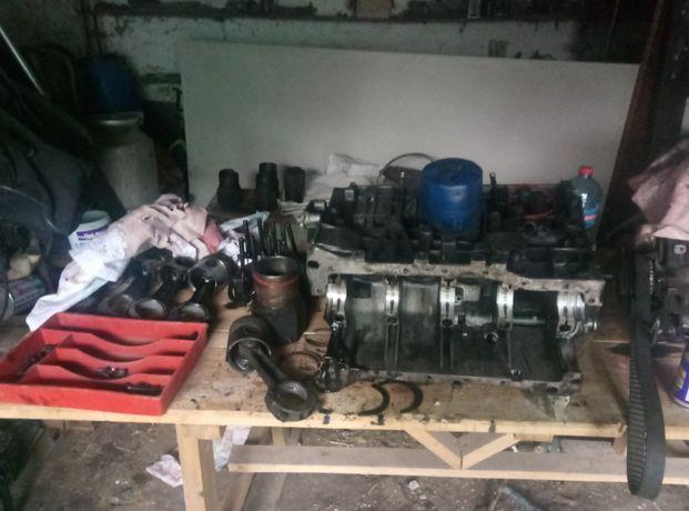 КПП,блок двигателя,коленвал,шатуни,две гилзы, рено трафик 2.1 дизель