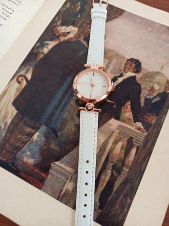 Женские белые часы золото время ремешок часов