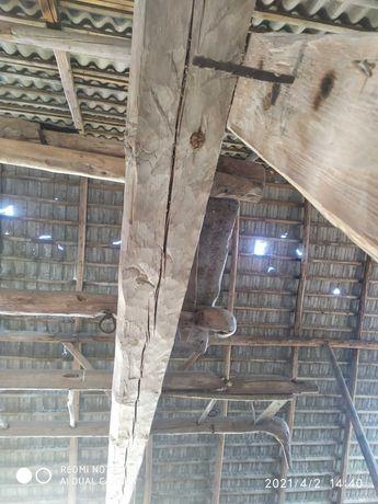 stodoła drewniana ciosane drewno