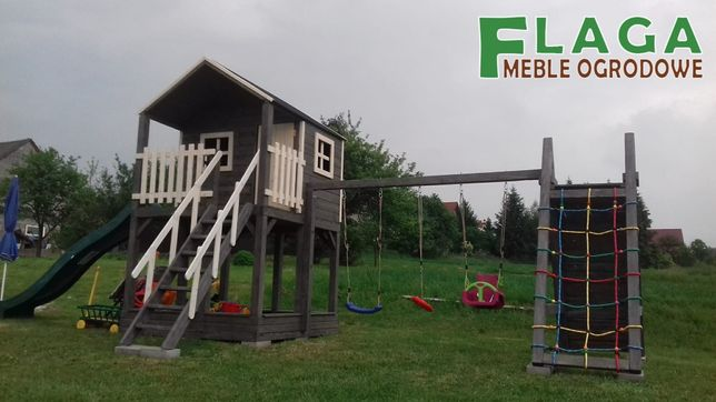 Plac zabaw dla dzieci,domek,piaskownica,zjeżdżalnia,huśtawki,wspinaczk