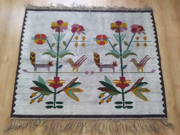 Nowy piękny kilim, rękodzieło. 100% wełna. Wymiary: 145 cm x 118 cm