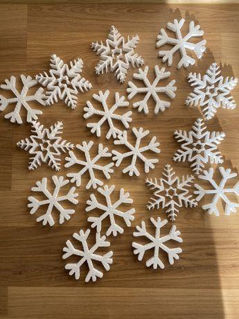 Сніжинка пінопласт. Сніжинки з пінопласту