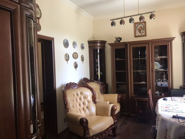 Продаётся шикарная 3-ех комнатная квартира на Площади свободы!!!