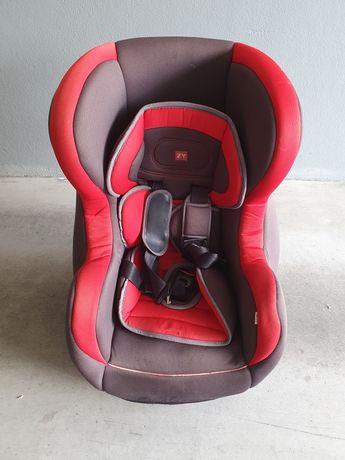 Cadeira Auto Bebé com sistema Isofix