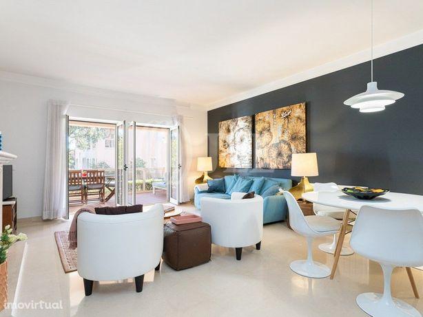 Apartamento T2 com jardim, piscina e garagem, em condomín...