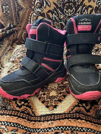 Термо взуття на дівчинку