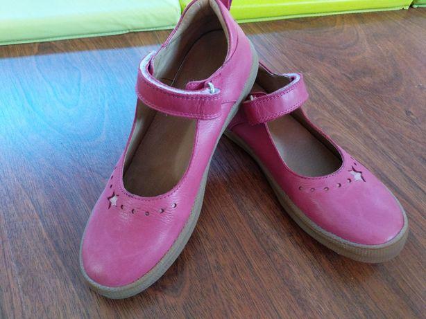 Sabrinas em pele rosa novas tamanho 35