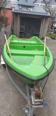 Łódka / łódź wędkarska / wiosłowa