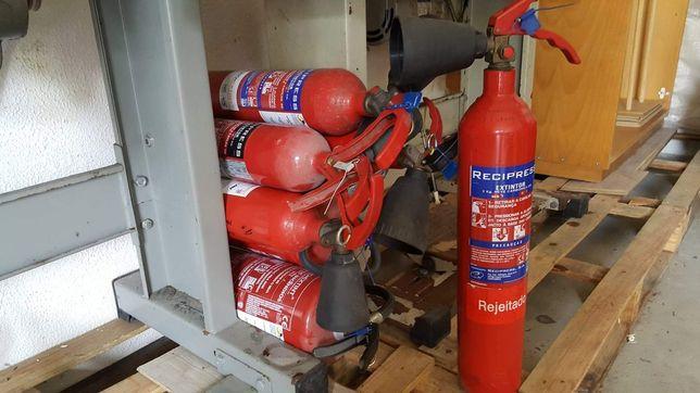 Vendo 7 extintores