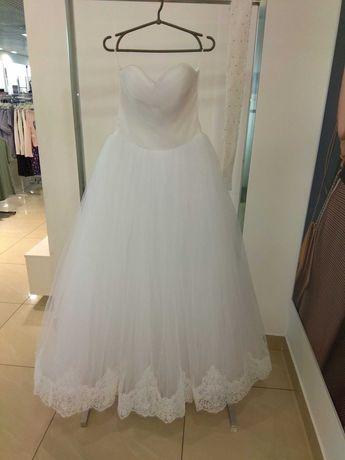 Свадебное платье! Продам не дорого!  Туфли в подарок!