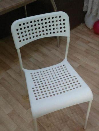 Новый стул, белый