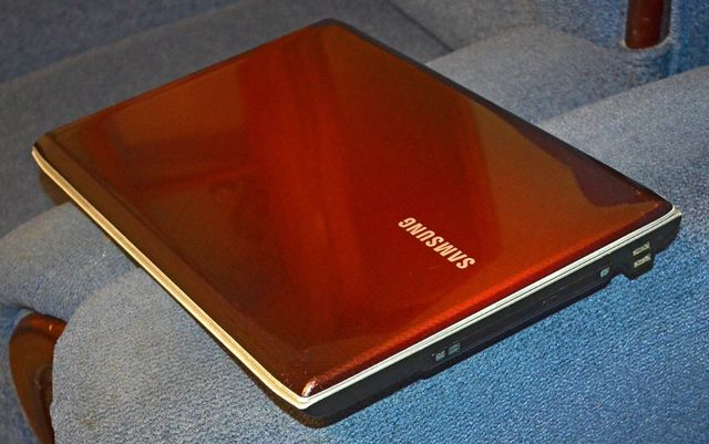 Ноутбук Samsung NP-R728 (R730) по запчастям.