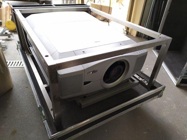 Projektor Sanyo XF-45 obiektyw LNS-S01 / case rama Pegasus 10000 ANSI