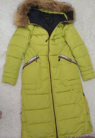 Продам дутое пальто покупала за 260,натуральний мех,дефектов нет как н
