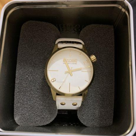 Продам часы Moschino cheapandchic