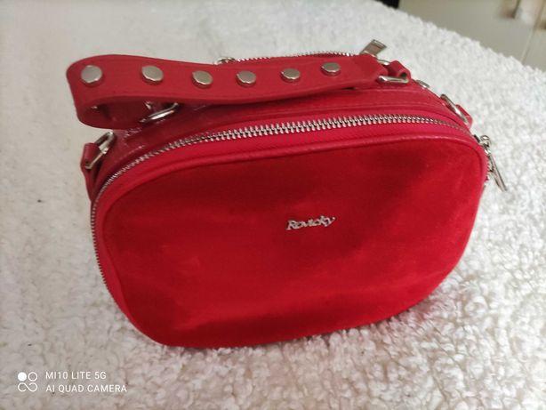 Czerwona, skórzana torebka, kuferek Rovicky