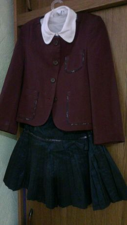 Школьная форма на рост 116 (блуза, юбка, пиджак)