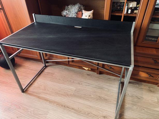 Черный стол