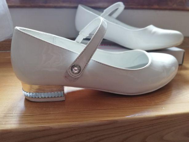 Komunijne buciki białe lakierowane rozm. 35