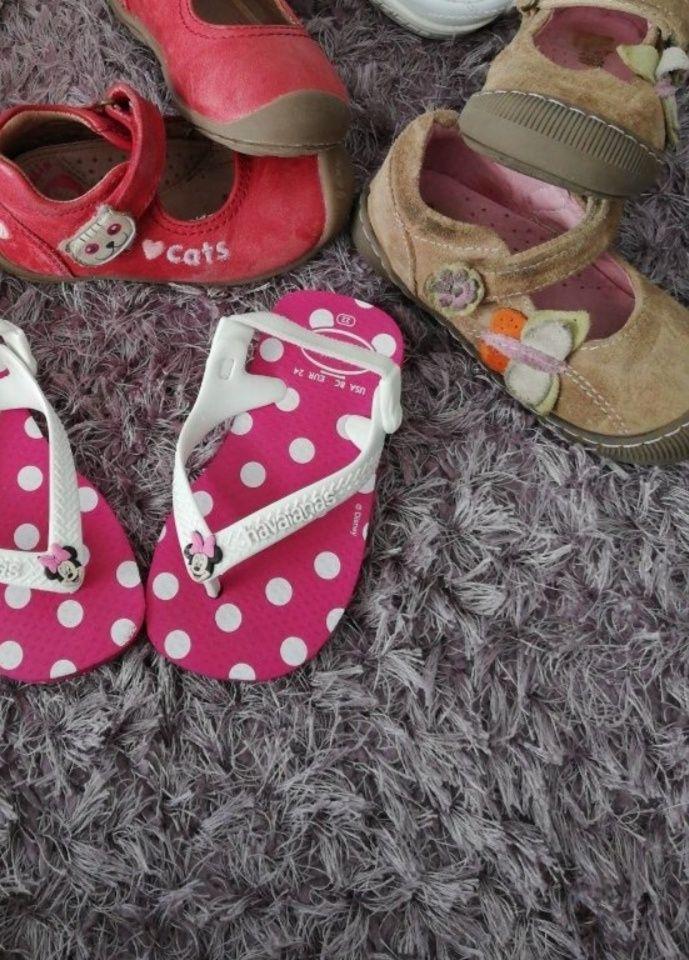 3 pares de sapatos por 11€, tamanho 22