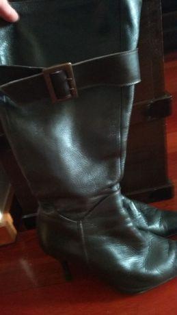 Vendo botas castanhas número 38