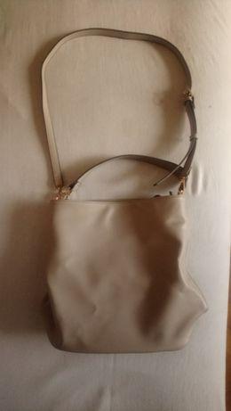 Beżowa duża torba z długim uchem