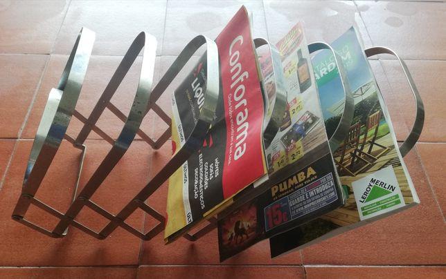 Suporte Extensível de Revistas e Jornais (Horizontal ou Vertical)