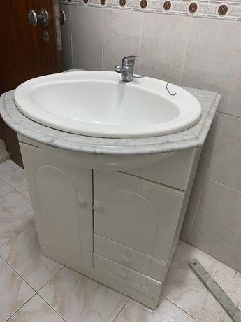 Lavatório torneira e móvel casa de banho SÓ HOJE