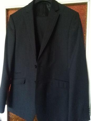 Sprzedam nowy garnitur!